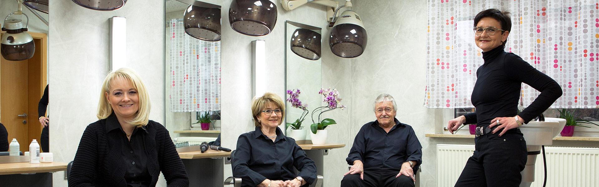 Team und Inhaber von Friseur Arnold